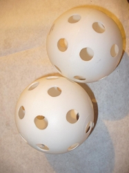 "Wiffle Ball Large 4"" in diameter 2 pack"